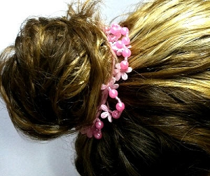 scr03 Scrunchies w/Daisies and Beads (ea.)